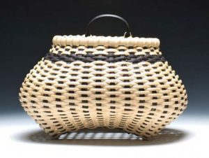 Photo of Billie Ruth Sudduth's Shaker Cat's Head Wall Basket in Black and Walnut